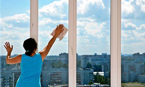 Tổng hợp mẹo vệ sinh cửa nhựa nhanh – sạch – đẹp